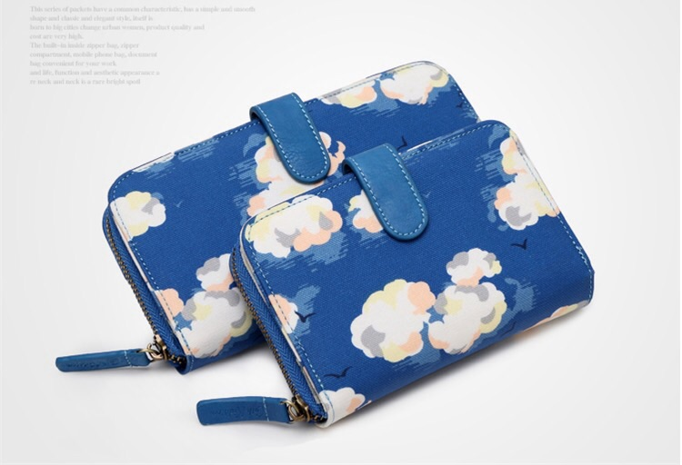 พร้อมส่งค่ะ Authentic Cath Kidston zip around and leather trim wallet