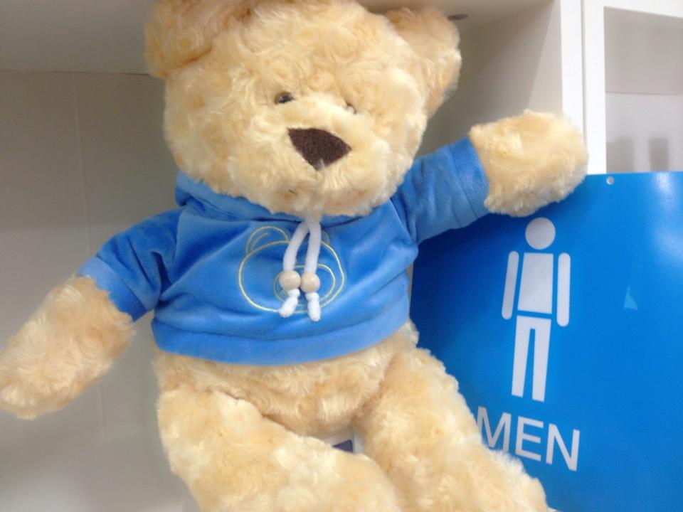 """""""Blueny bearry"""" ตุ๊กตาหมีตระกูลแบรี่ ขนนุ้มนุ่ม ขนละเอียดมาก สวมเสื้อมีหมวกลายสกรีนหน้าหมีแบรี่ ไม่เหมือนใคร ของขึ้นห้าง ราคาพิเศษ 399.- ปกติ 750.- เหมาะกับเทศกาลเทคของขวัญ ช่วงรับน้องอย่างยิ่งครับ Playcorner จัดส่งทั่วประเทศ ของมีจำกัด (ขนาด 40"""