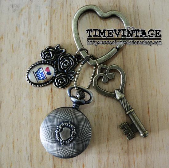 **พร้อมส่ง** พวงกุญแจนาฬิกา LOVE เซท C