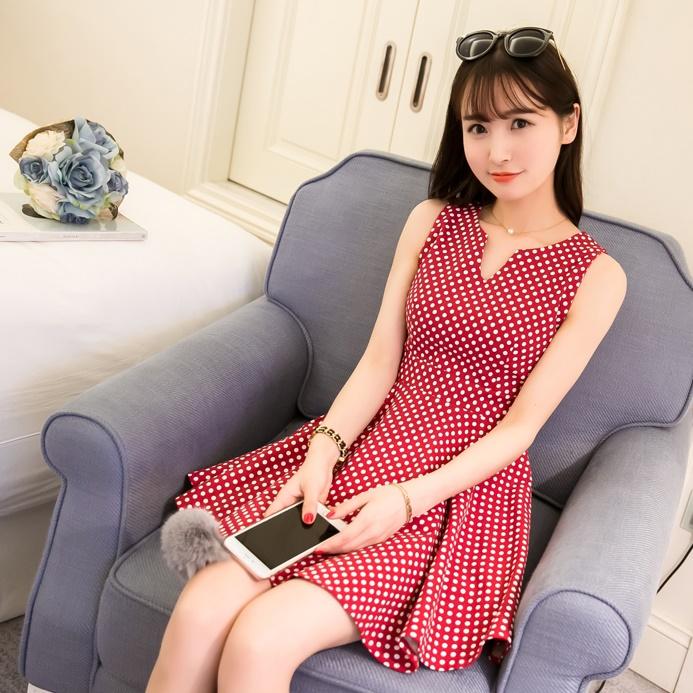 [Preorder] เดรสแฟชั่นแขนกุดลายจุดสีแดง (ไซส์ S M L XL) 2016 small fresh summer dress Korean version of Slim was thin tutu sweet fashion wave point sleeveless vest dress tide