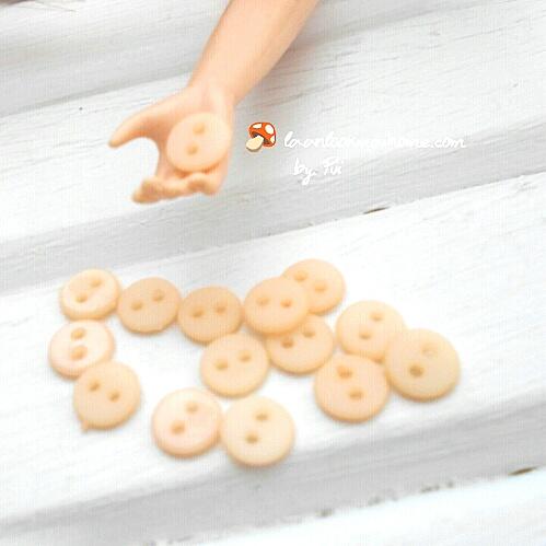 กระดุมสีพีช ขนาด 5 mm 1 แพคมี15 เม็ด
