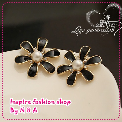 ตุ้มหูดอกไม้ประดับไข่มุกสีดำ Love ornaments century wrinkle daisy flower earrings Korea Korea retro earrings earrings jewelry