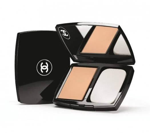 Chanel MAT LUMIERE PERFECTION LONG-WEAR FLAWLESS COMPACT POWDER MAKEUP SPF 25/PA+ ขนาด 15 กรัม #20 Beige สำหรับผิวขาวเหลืองunder โทนเหลือง