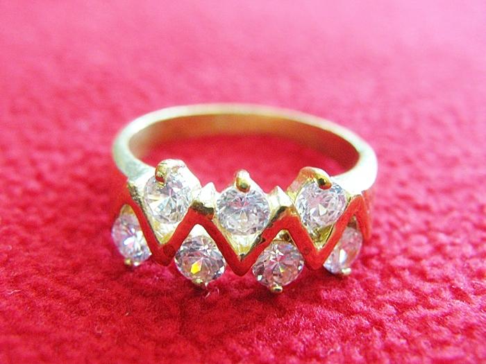 สินค้าหมดค่ะ แหวนเพชรทองเหลือง แบบ3(เพชร7เม็ด ทรงหยัก)ค่ะ
