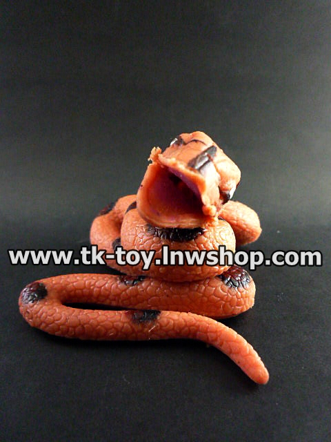 งูยางปลอม (ยางตันนิ่ม) น้ำตาล