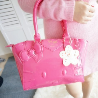 [Preorder] กระเป๋าสะพายข้าง Hello Kitty สีชมพูบานเย็น (2 ใบ - ใบใหญ่ และ ใบเล็ก) 2015 New hello kitty Hello Kitty handbag shoulder bag diagonal female bag cute three-dimensional picture package