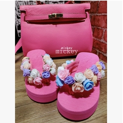 [Preorder] รองเท้าแตะแฟชั่นดอกกุหลาบ สีชมพู Original hand-beach sandals 2014 new female flowers summer tide muffin thick crust slope with high-heeled sandals