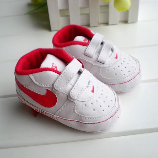 BE2013 (Pre) รองเท้าผ้าใบ Nike (0-1 ขวบ)