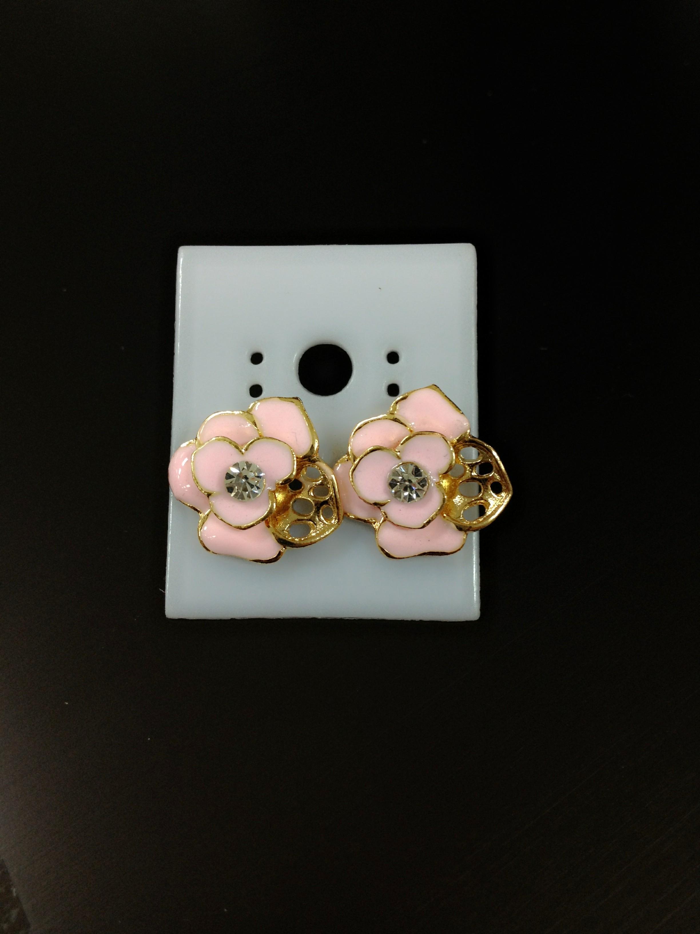 ต่างหูรูปดอกกุหลาบ สีชมพู