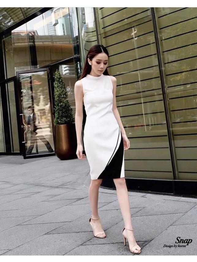 ชุดเดรสเกาหลี พร้อมส่ง Dress แขนกุด อกต่อผ้าซีทรู