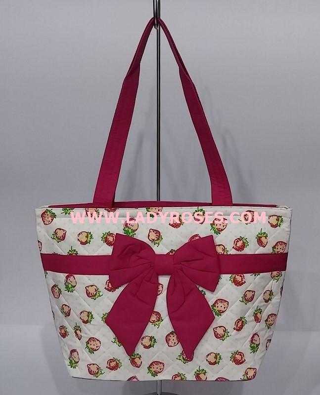 กระเป๋าสะพาย นารายา ผ้าคอตตอน ลายสตอเบอรี่ ผูโบว์ด้านหน้า มีซิปด้านหลัง (กระเป๋านารายา กระเป๋าผ้า NaRaYa กระเป๋าแฟชั่น)