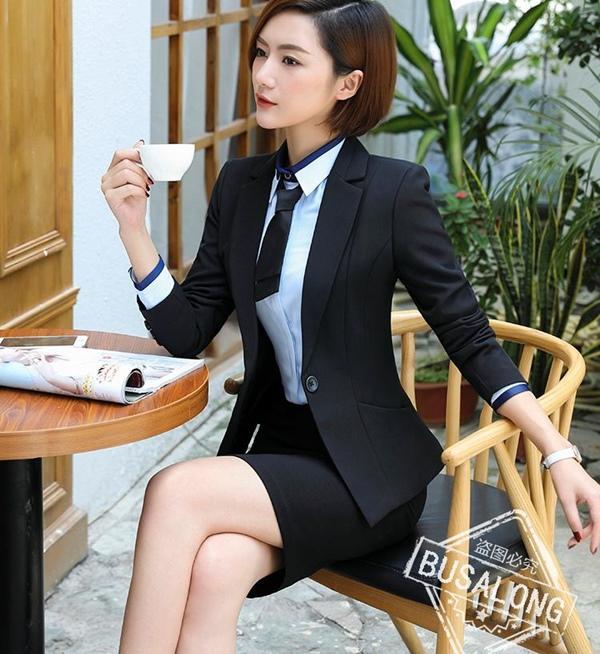 (พร้อมส่ง) ชุดเสื้อสูทผู้หญิงคอปก แขนยาว กระโปรงดินสอ สีดำ