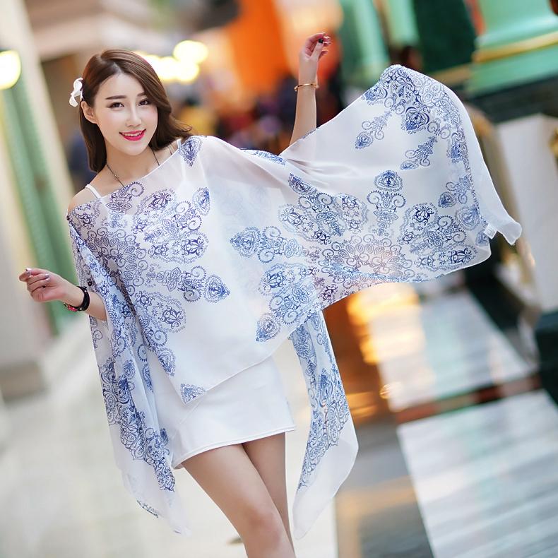 เสื้อคลุมชีฟองใส่ได้หลายแบบ 3in1 สามารถใช้เป็นผ้าพันคอได้ ลายวินเทจสีขาวฟ้า