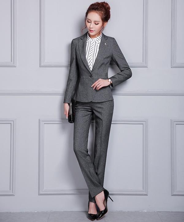 (พร้อมส่ง) ชุดสูทผู้หญิงยูนิฟอร์มพนักงานออฟฟิศ ชุดเสื้อสูทมีปก กางเกงขายาว สีเทาเข้ม ชุดสูททำงานเรียบหรู