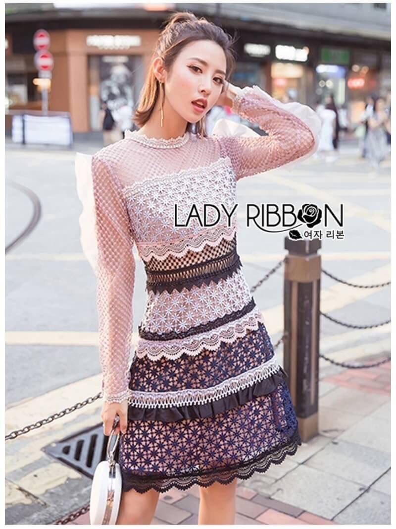 มินิเดรสผ้าลูกไม้ตกแต่งระบายเลเยอร์สุดหวาน ตัวนี้เป็นการเล่นกับเนื้อผ้า ตัดสลับเป็นลาย สวยมากค่ะ ป้าย Lady Ribbon