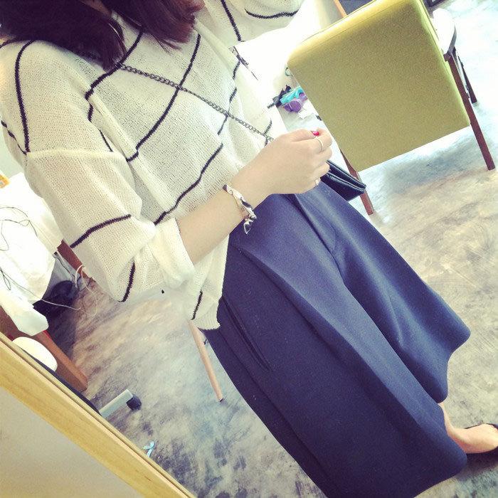 ++สินค้าพร้อมส่งค่ะ++กางเกงขาห้าส่วนเกาหลี ผ้า polyester เนื้อหนา ทรงขากว้าง มี 2 สีค่ะ สี Dark Blue