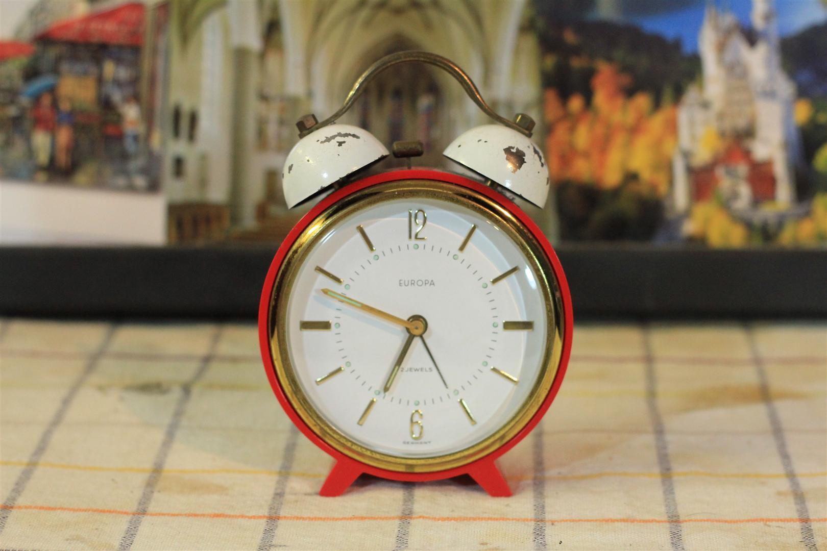 W0044 europa 2 jewels Alarm clock