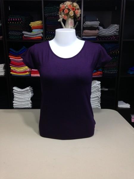 """เสื้อยืดคอกลม สีม่วงเปลือกมังคุด size """"M"""""""