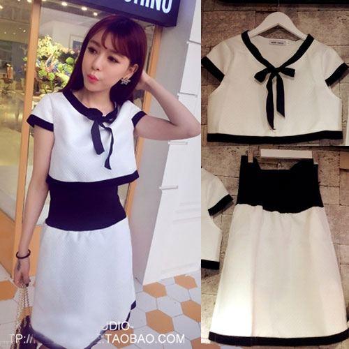 ++สินค้าพร้อมส่งค่ะ++ชุดเซ็ทเกาหลี เสื้อคอ V แขนเลย แต่งโบว์ที่อก+กระโปรงขอบเอวกว้างแบบยางยืด ดีไซด์น่ารัก – สีขาว