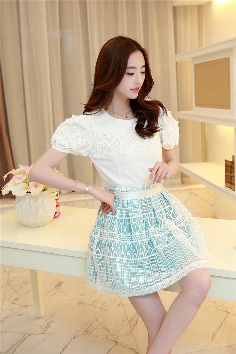 ชุดเดรสเกาหลี ตัวเสื้อผ้าชีฟองชนิดหนา สีขาว เปิดไหล่