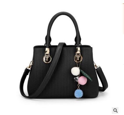 พร้อมส่ง ขายส่งกระเป๋าถือและสะพายข้างใบเล็ก เย็บลายทาง แฟชั่นผู้หญิง รหัส Sunny-978 สีดำ 1 ใบ *แถมพู่ห้อ