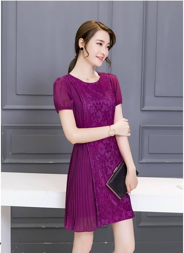 ชุดเดรสสวยๆ ตัวเสื้อผ้าลูกไม้เนื้อดี ยืดหยุ่นได้ สีม่วง ดีไซน์เก๋มากๆ