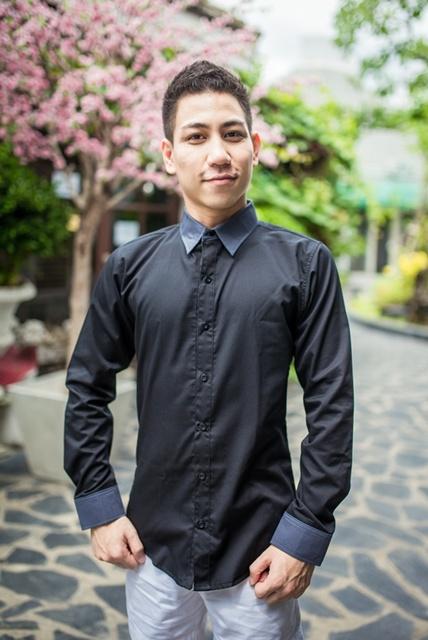 เสื้อเชิ้ตผู้ชาย สีดำ รุ่นปกมือ