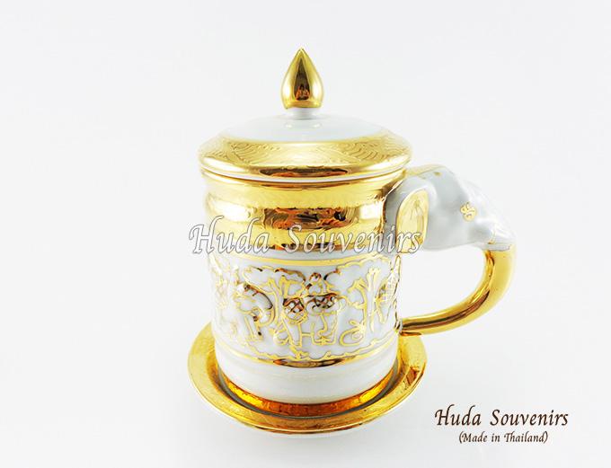 ของที่ระลึก แก้วมัคเบญจรงค์ หูจับงวงช้าง ลวดลายเบญจรงค์ทอง สินค้าพร้อมส่ง (ราคาไม่รวมกล่อง)