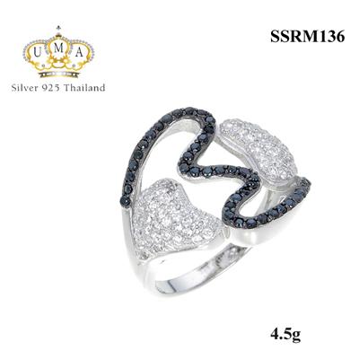 แหวนทองคำขาว ประดับเพชร CZ แหวนหัวใจ แหวนทรงดีไซน์เก๋สวยเท่ห์ ฝังเพชรกลมดำกับเพชรกลมขาว ไม่มีใครเหมือน งานออกแบบได้เกร๋ๆ ไม่ค่อยได้เห็นบ่อยๆงานเนี้ยบสุดๆ