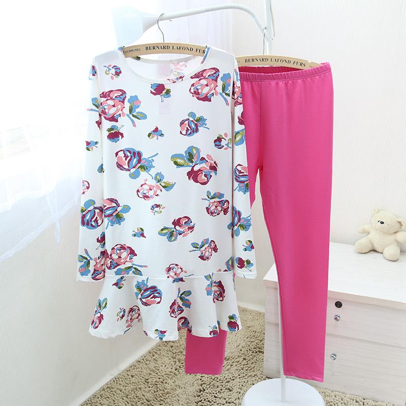 ชุดนอนเกาหลี ดอกไม้ เสื้อแขนยาวขายาว สีขาว-ชมพู
