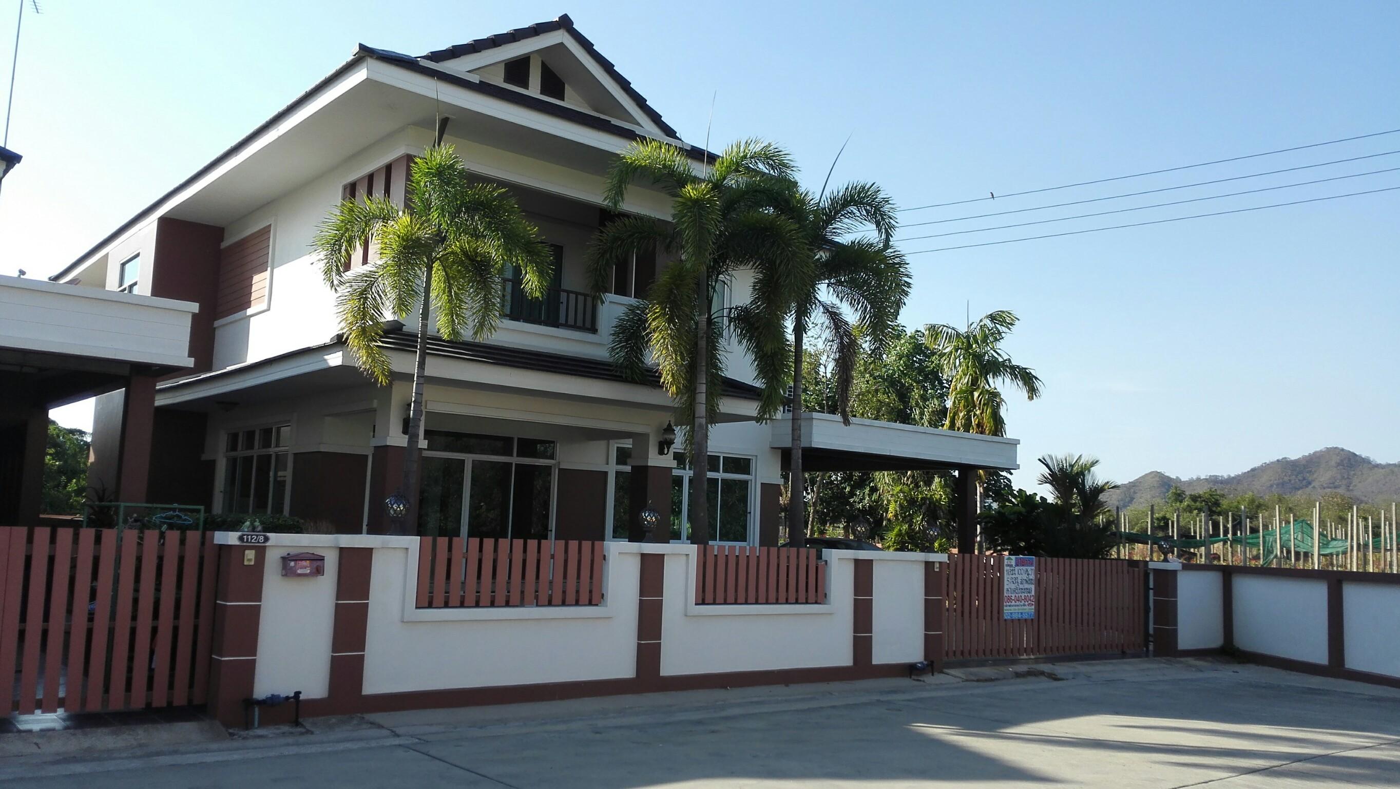 H620 บ้านเดี่ยว 100 ตร.วา ม.บ้านสวนฮิลล์ บางพระ ชลบุรี อยู่ซอยเทศบาล7/8 ตรงข้ามตลาดบางพระ 5ห้องนอน ตกแต่งสวย พร้อมอยู่